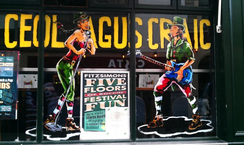 Ceol agus Craic: Fitzsimons' Bar, Temple Bar, Dublin 2